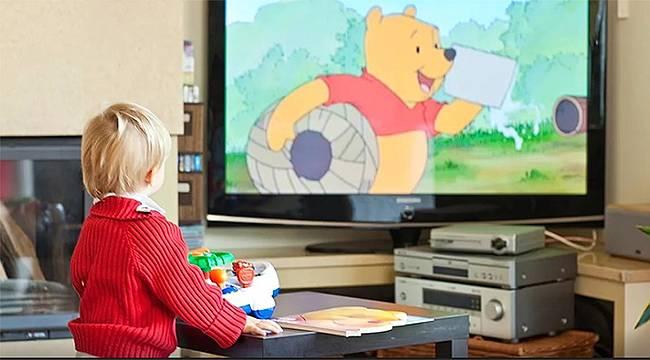 0-3 yaş arasında bebeğinizi ekrandan uzak tutun!