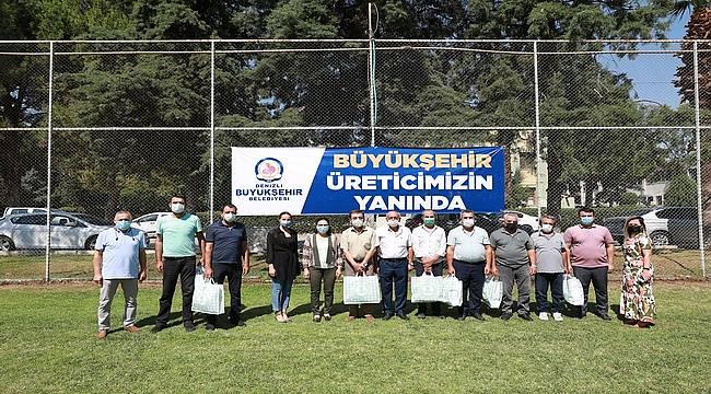 Denizli Büyükşehir'den 1.100 arıcıya ekipman desteği