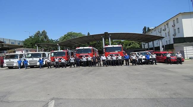 İzmir Büyükşehir'den Manavgat yangınına müdahale için araç desteği