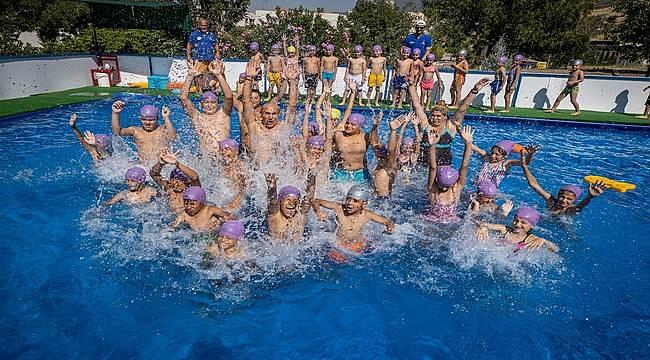 Soyer: 2 ayda 3 bin çocuğumuz yüzme öğrenecek