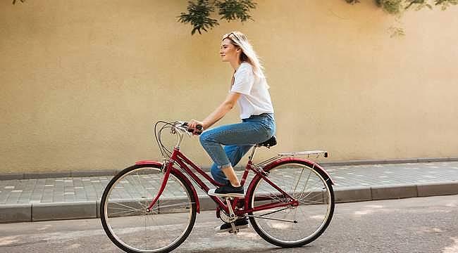 """AXA Sigorta'dan """"Bisikletçi Dostu Sigorta"""""""