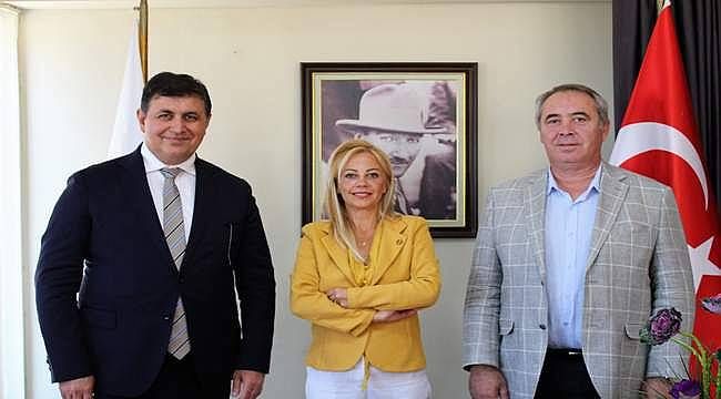 Cemil Tugay'dan İzmir Gazeteciler Cemiyeti'ne ziyaret