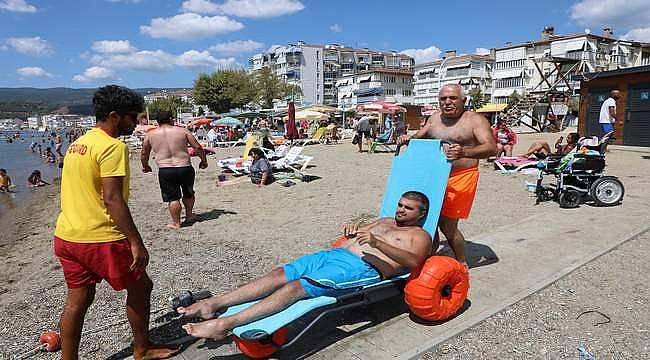 """Gemlik'te """"Engelsiz Plaj"""" hizmete açıldı"""