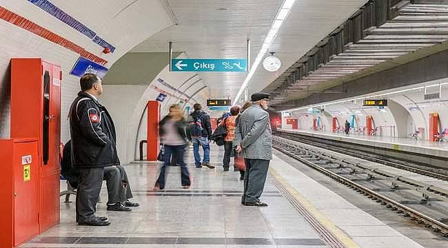 İzmir'de metro istasyonlarında ücretsiz internet dönemi başladı