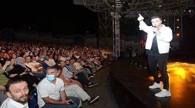 Uluslararası Bursa Festivali'nde 90'lar rüzgarı...