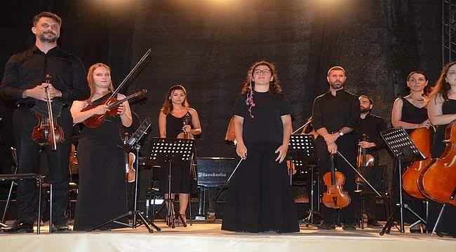 Uluslararası Gümüşlük Klasik Müzik Festivali'nde El Ele Müzik Senfoni Orkestrası rüzgarı