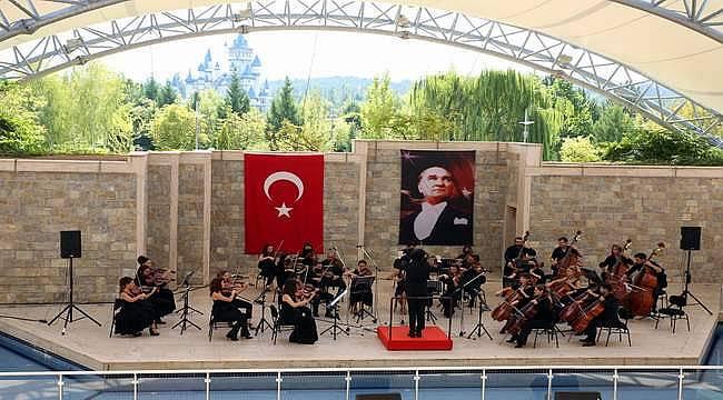 Sazova Bilim Kültür ve Sanat Parkı'nda klasik müzik konserleri devam ediyor