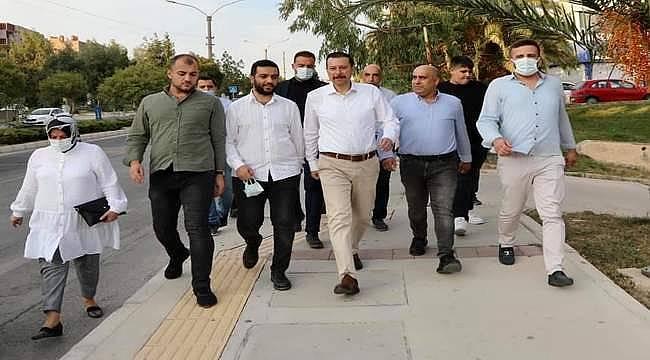 """AK Partili Kaya: """"İzmir Büyükşehir Belediyesi 25 senedir bir planı yapamadı!"""""""