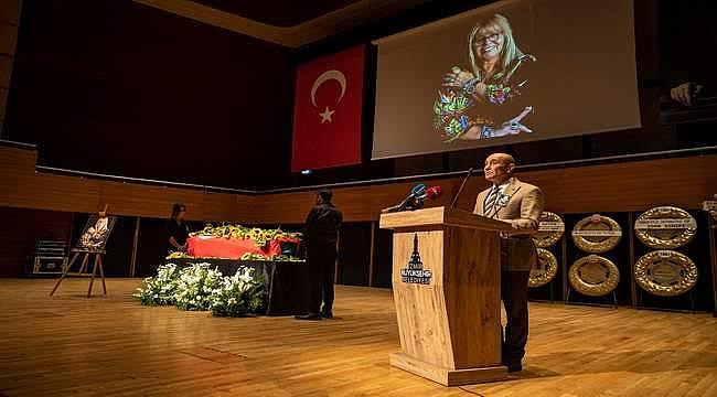 """Başkan Soyer: """"İzmir Şehir Tiyatroları'nı sonsuza kadar yaşatacağız"""""""