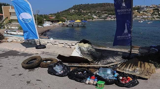 Karaburun'un Mimoza Koyu'nda kıyı ve deniz dibi temizliği yapıldı