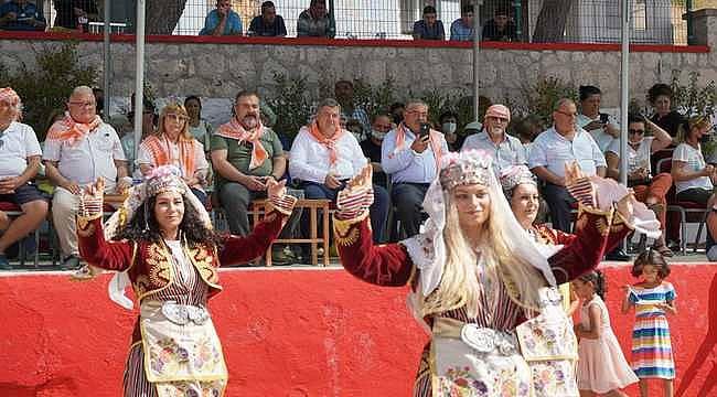 Ovacık festivalle şenlendi: Çeşme'nin ünlü sakız koyunları yarıştı